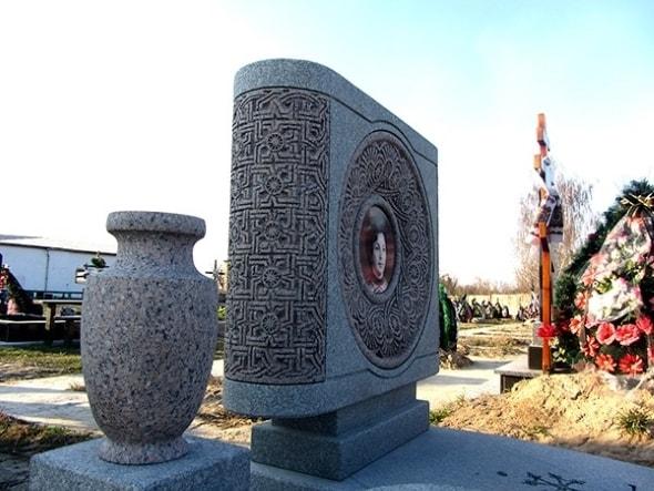 изготовление памятников в орле и штампов